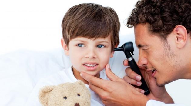 Симптомы и лечение детского адгезивного отита