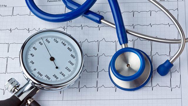Что делать, если скачет артериальное давление